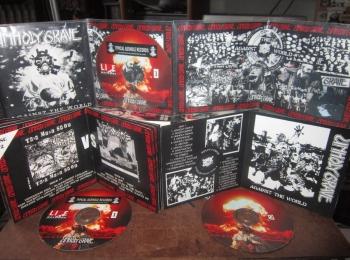 UNHOLY GRAVE boot CD.jpg